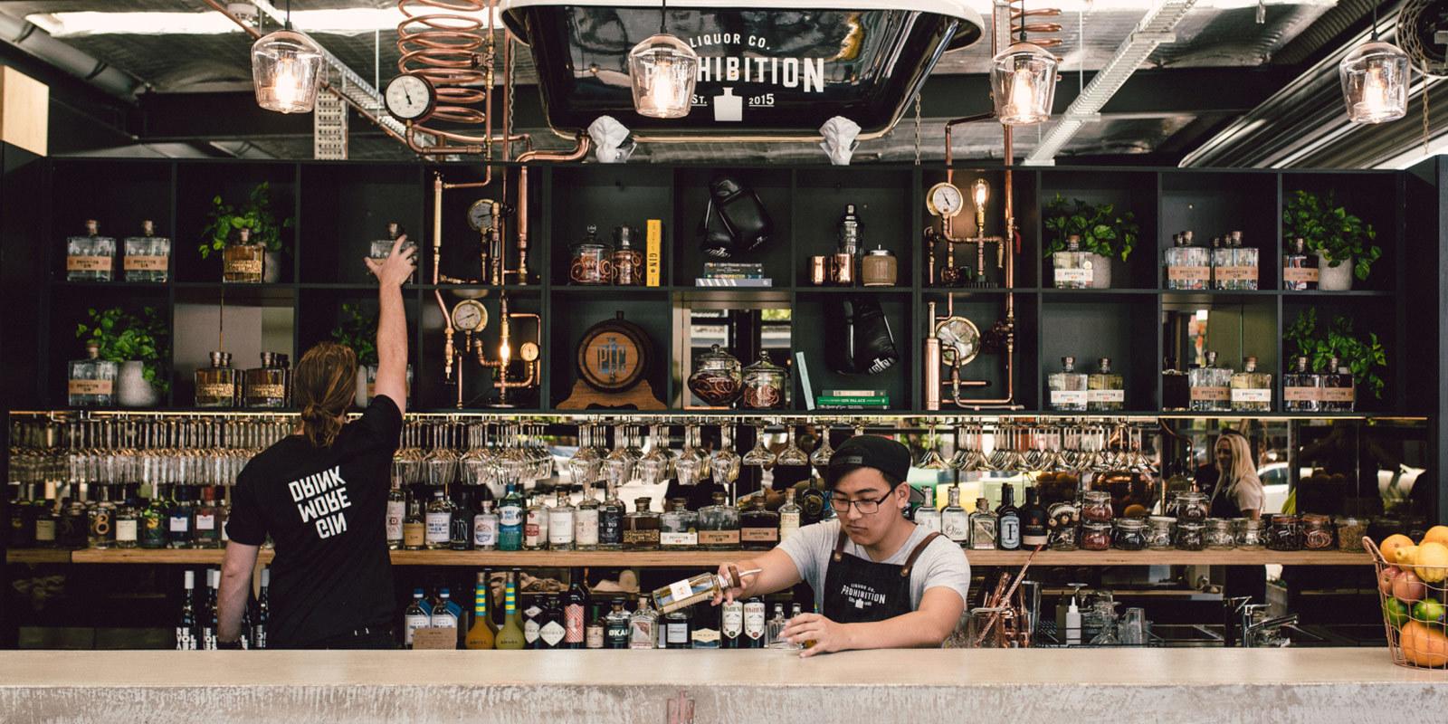 Prohibition liquor bar mixologist